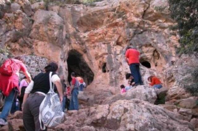 נחל אורן ומערת אצבע