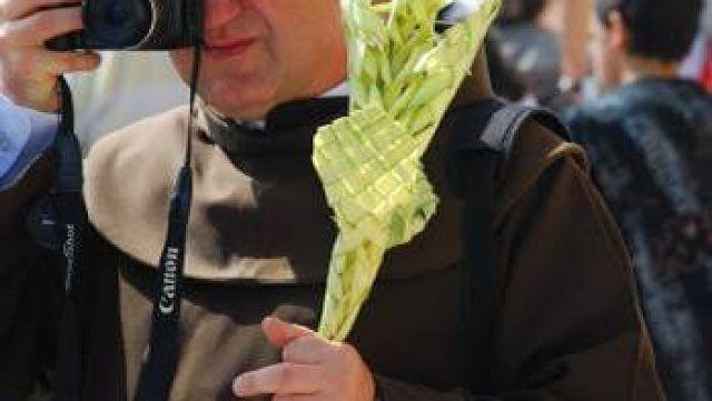 יום ראשון של הדקלים – יום ראשון של כפות התמרים