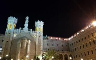 שבת האש הקדושה הקתולית - כנסיית נוטרדאם