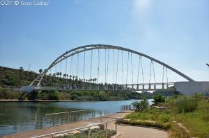 גשר מעל לנחל חדרה
