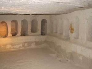 הקבר בעבדת