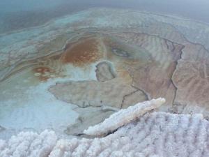 משטחי מלח בים המלח
