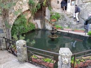 הבריכה במנזר יוחנן במדבר